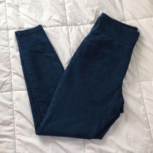 Like new, High waisted skinny jeans